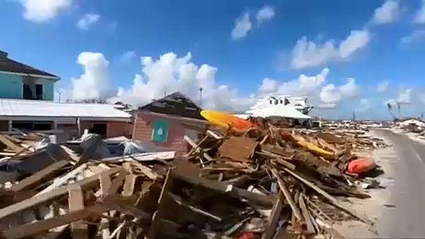 Hurrikánná erősödik a Bahamákat sújtó Humberto