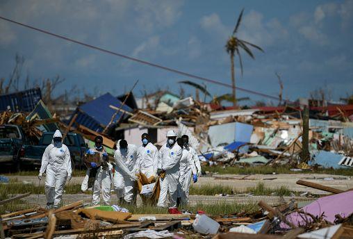 """جزر الباهاماس ولعنة الطبيعة.. بعد إعصار دوريان المدمّر جاء دور العاصفة """"أومبرتو"""""""