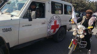 Taliban, Uluslararası Kızılhaç Örgütü'ne Afganistan'da getirdiği çalışma yasağını kaldırdı