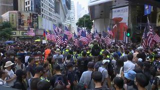 Ismét összecsaptak a rendőrök és a tüntetők Hongkongban