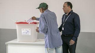 Tunuslular cumhurbaşkanlığı seçimi için sandık başına gitti: Seçimde 24 aday yarışıyor