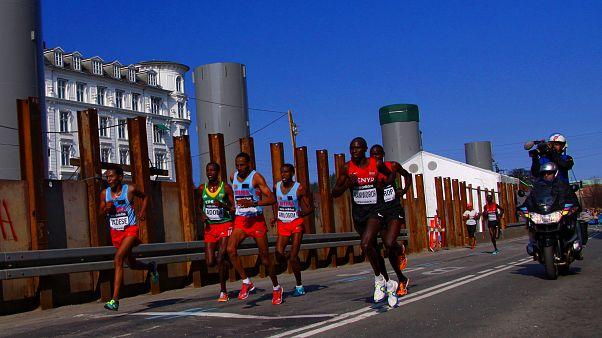 Kamworor bate recorde do mundo da meia maratona