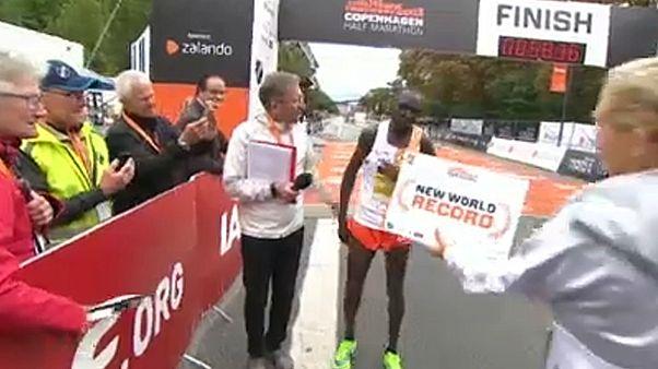 Kamworor félmaratonban világcsúcsot futott
