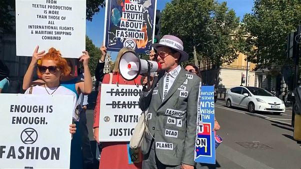 Nem lankad a környezetvédők elszántsága a Londoni Divathéten