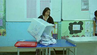 Tunesien: Einige jubeln schon, doch nur 45 % haben gewählt