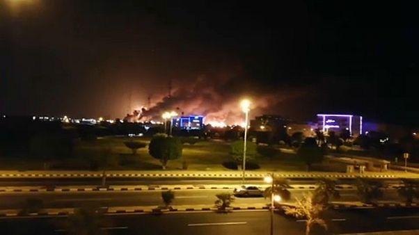 Le pétrole saoudien attaqué, les cours mondiaux s'envolent, Trump prêt à riposter
