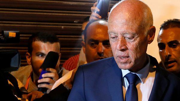 المرشح إلى الانتخاب��ت الرئاسية التونسية قيس سعيّد في تونس العاصمة اليوم
