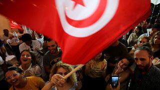 Tunus'un Kalbi Partisi Lideri Nebil el-Karvi taraftarları seçim sonuçlarını kutladı