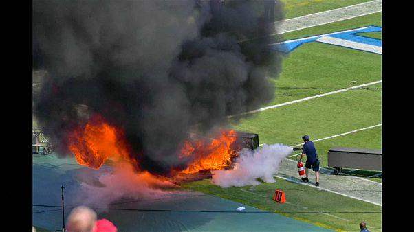 شاهد: حريق في افتتاح مباراة فريق تينيسي تايتانز ونظيره انديانابلوس كولتس