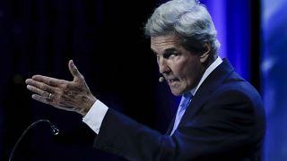 """O antigo secretário de Estado norte-americano entre 2013 e 2017, John Kerry, intervem durante a conferência """" O futuro do Planeta"""""""