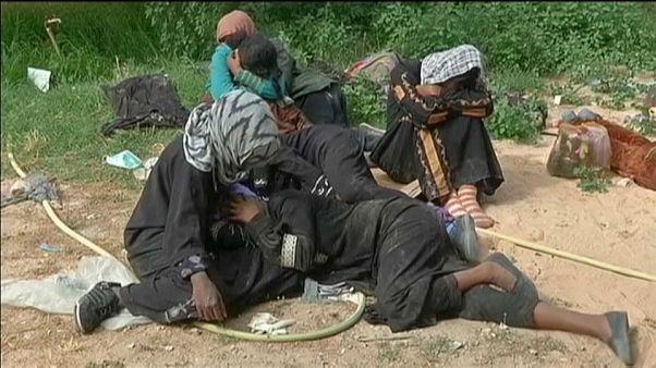 Migranti: arrestati tre aguzzini di un campo lager in Libia
