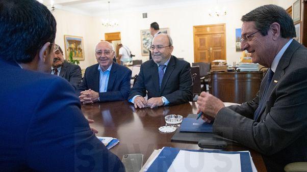 Ο Πρόεδρος της Δημοκρατίας κ. Νίκος Αναστασιάδης δέχεται τον Δήμαρχο κ. Σίμο Ιωάννου και μέλη του Δημοτικού Συμβουλίου Αμμοχώστου.