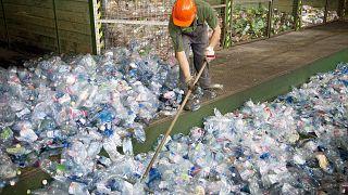 Beszünteti a PET-palackos italok beszerzését a Pécsi Tudományegyetem