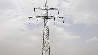 پس از تخریب کابلهای برق وارداتی؛ یک سوم افغانستان در خاموشی فرو رفت