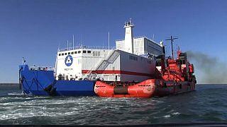 Primeira central nuclear flutuante russa chegou à Sibéria