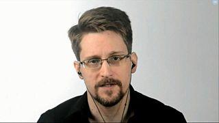 Snowden pede asilo ao presidente francês