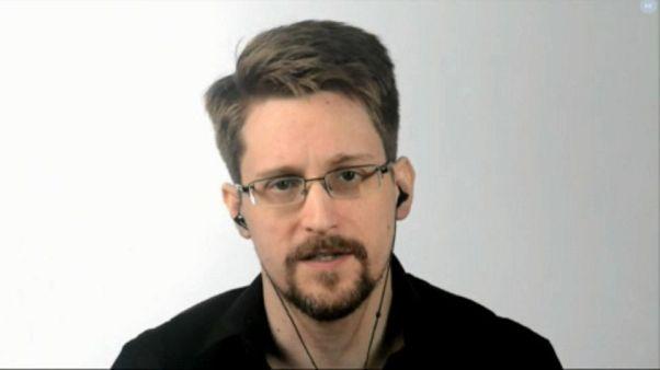 Сноуден хочет в Европу