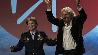 Il discusso attivismo ambientale di Richard Branson