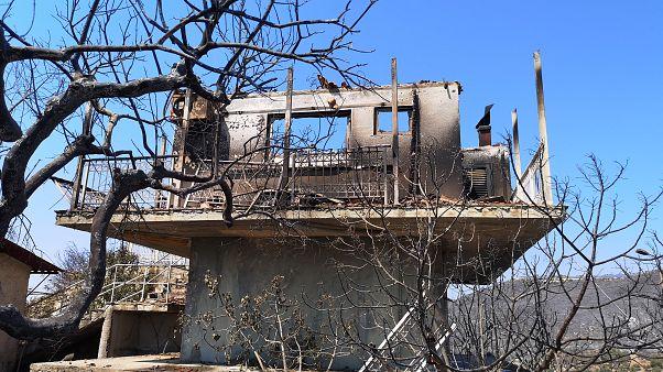 Καμένο σπίτι από την πυρκαγιά στη Ζάκυνθο