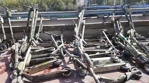مؤسسة بيئية فرنسية تنتشل أكثر من 100 دراجة كهربائية من قعر نهر الرون