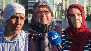 AK Parti İl Binası önünde eylem yapan anneler: Diyarbakır'daki annelerden ne farkımız var?