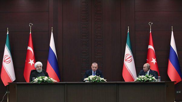 Cumhurbaşkanı Recep Tayyip Erdoğan, Rusya Devlet Başkanı Vladimir Putin ve İran Cumhurbaşkanı Hasan Ruhani Üçlü Zirve sonrası Çankaya Köşkü'nde basın toplantısı düzenledi