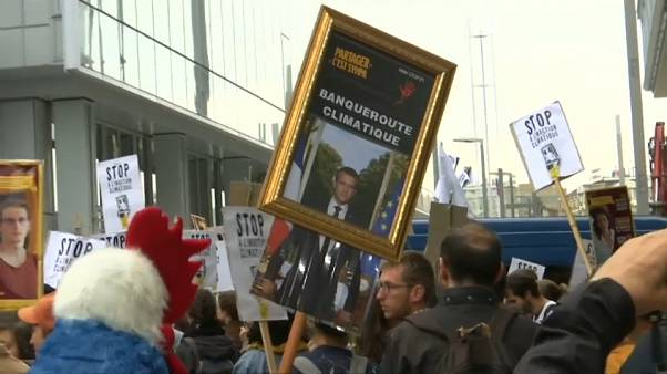 """Abgehängter Macron: Richter in Lyon hält Klima-Proteste für """"legitim"""""""