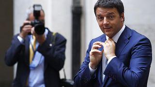 Matteo Renzi kilép pártjából és saját frakciót alakít