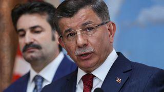 """""""Davutoğlu Meclis'te grup kurmak yerine yerelde güçlenmeyi hedefliyor"""""""