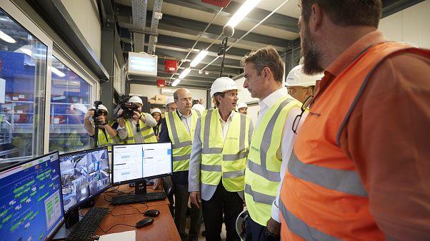 Ο πρωθυπουργός Κυριάκος Μητσοτάκης σε μονάδα επεξεργασίας αστικών στερεών αποβλήτων στο Ελευθεροχώρι Δωδώνης