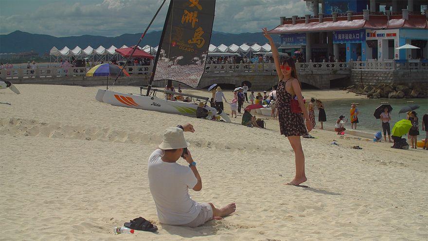 الصين: عشاق الرياضات المائية على موعد مع المغامرة في مدينة سانيا الساحلية