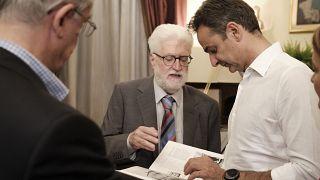 Συνάντηση του πρωθυπουργού με τον δήμαρχο Ιωαννιτών