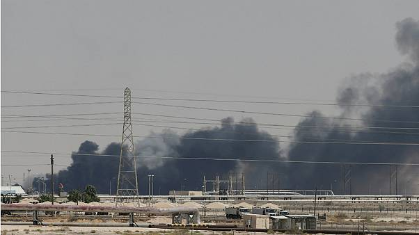 فرانسه برای بررسی حمله نفتی به عربستان کارشناس اعزام میکند