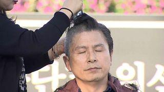 شاهد: احتجاج سياسي بحلق الرؤوس في كوريا الجنوبية