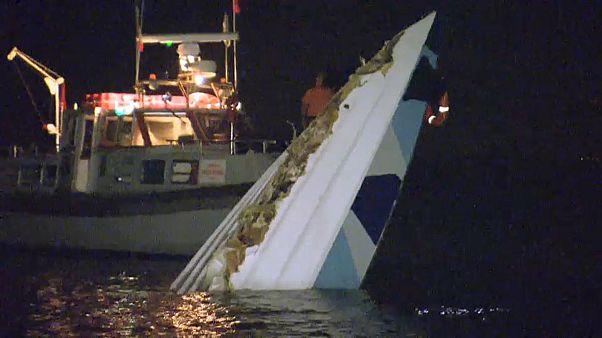 Venezia: scafo offshore si schianta contro diga, tre morti