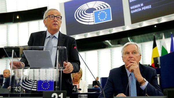 الاتحاد الأوروبي يحث لندن على التفاوض بجدية وبولندا تدعو مواطنيها في بريطانيا للعودة