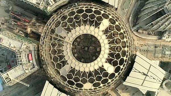 """فيديو: انتهاء الأعمال في قبة """"إكسبو دبي 2020"""" الفولاذية"""
