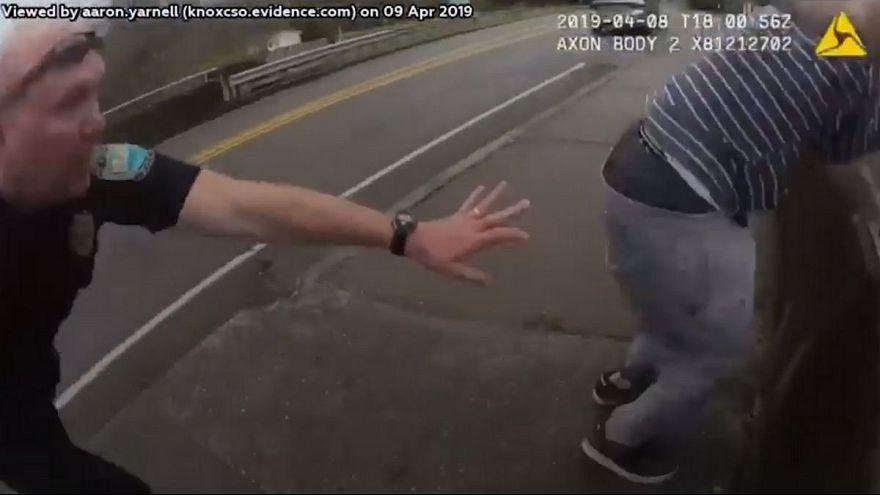 واکنش سریع پلیس آمریکا در لحظه پریدن یک جوان از پل