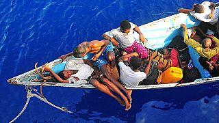 090525-N-4774B-032 .Gulf of Aden