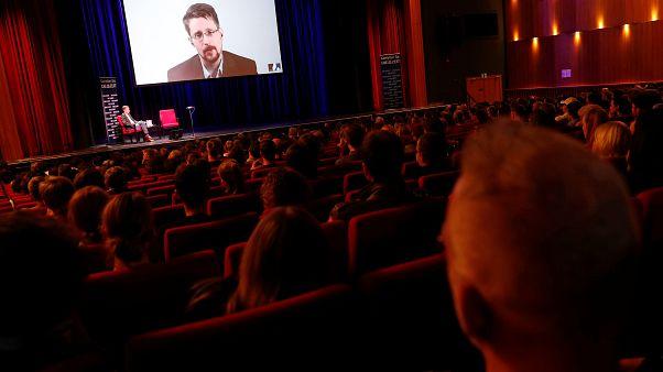 Nueva demanda de la Justicia de EEUU contra el nuevo libro de Edward Snowden