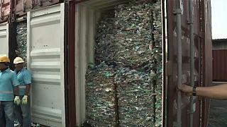 اندونزی ۹ کانتینر حاوی زباله های سمی را به استرالیا باز می گرداند