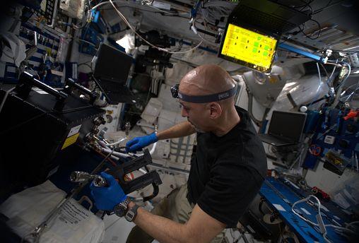 الحلقة الثامنة من سلسلة الفضاء من يورونيوز مع لوكا بارميتانو مراسلنا من الفضاء
