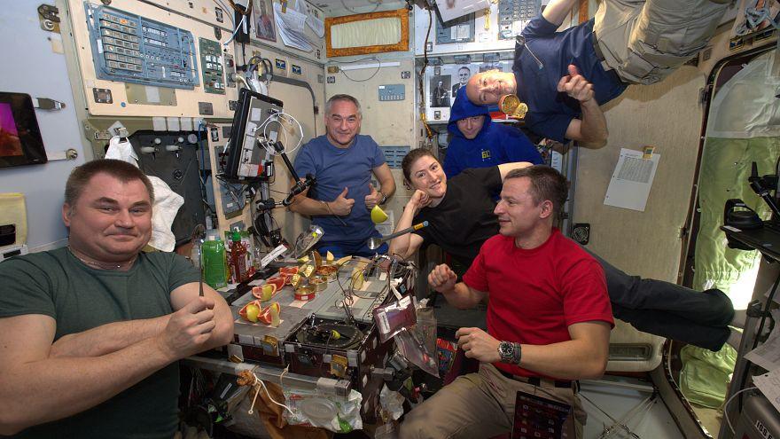 Astronauta dos Emirados Árabes estreia-se na Estação Espacial Internacional