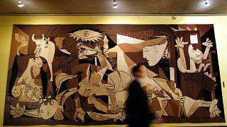 """El tapiz de """" el Guernica"""" en la ONU"""