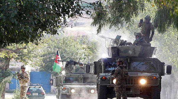 Afgan güvenlik güçleri, Celalabad'da düzenlenen silahlı saldırıya müdahale ederek 4 saldırganı öldürdü