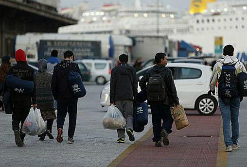 """تقرير: تراجع """"اللجوء"""" إلى أوروبا وتقدم """"هجرة العمل ولمّ الشمل"""" في 2018"""