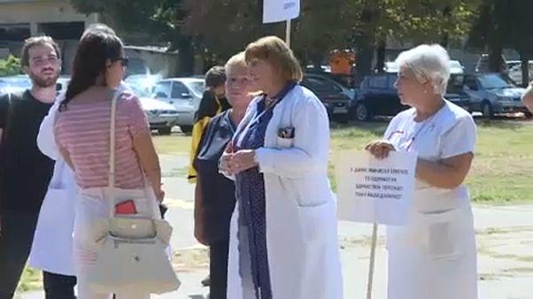 Βόρεια Μακεδονία: Επιθέσεις σε γιατρούς