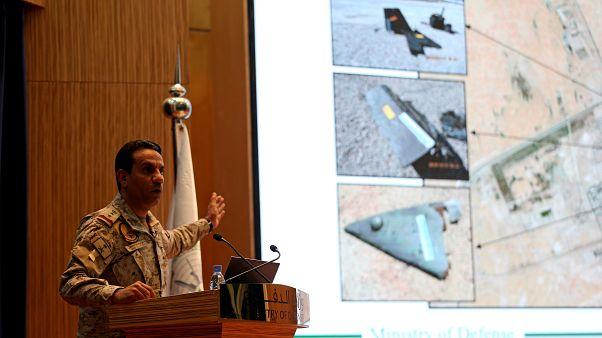 المتحدث باسم وازرة الدفاع السعودية، العقيد الركن تركي المالكي، خلال المؤتمر الصحافي اليوم الأربعاء