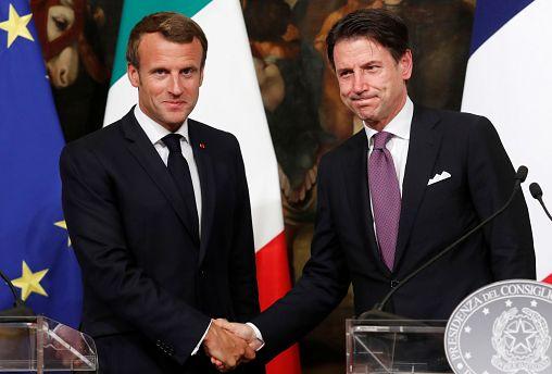Макрон в Риме: визит примирения