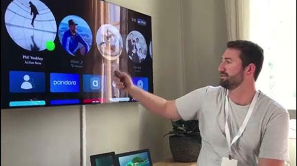 """شاهد: """"فيسبوك"""" يكشف النقاب عن منصة جديدة للتواصل المرئي والبث التلفزيوني"""